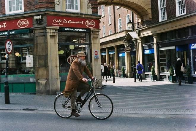 Cyclists of Cambridge 1