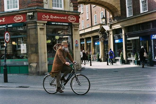 Cyclists of Cambridge 1